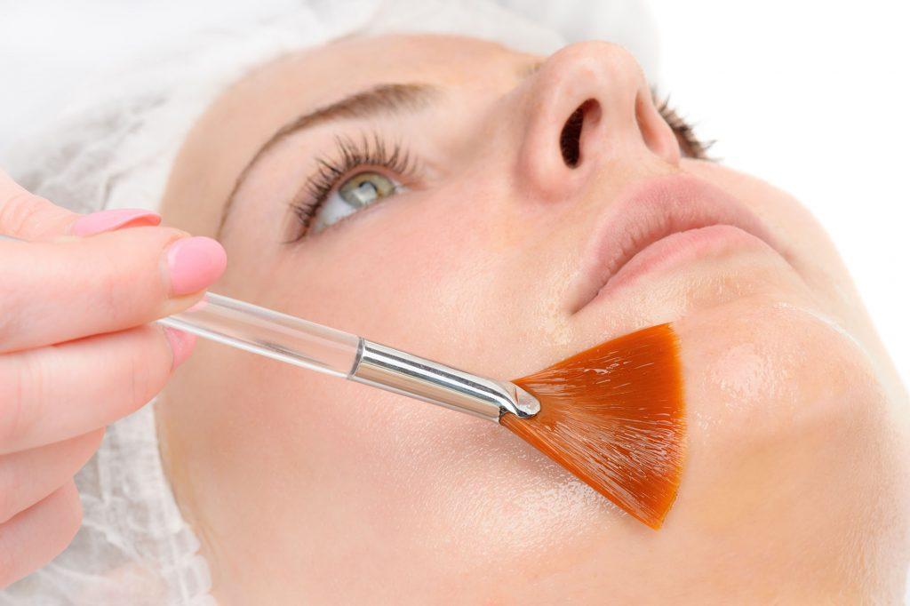 Mésothérapie esthétique du visage par le docteur Sar